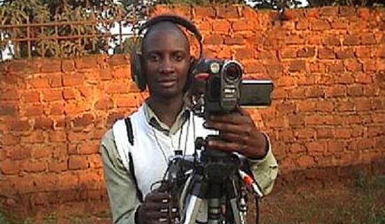 Ssozi on the job. Photo by Jonathan Kabugo.