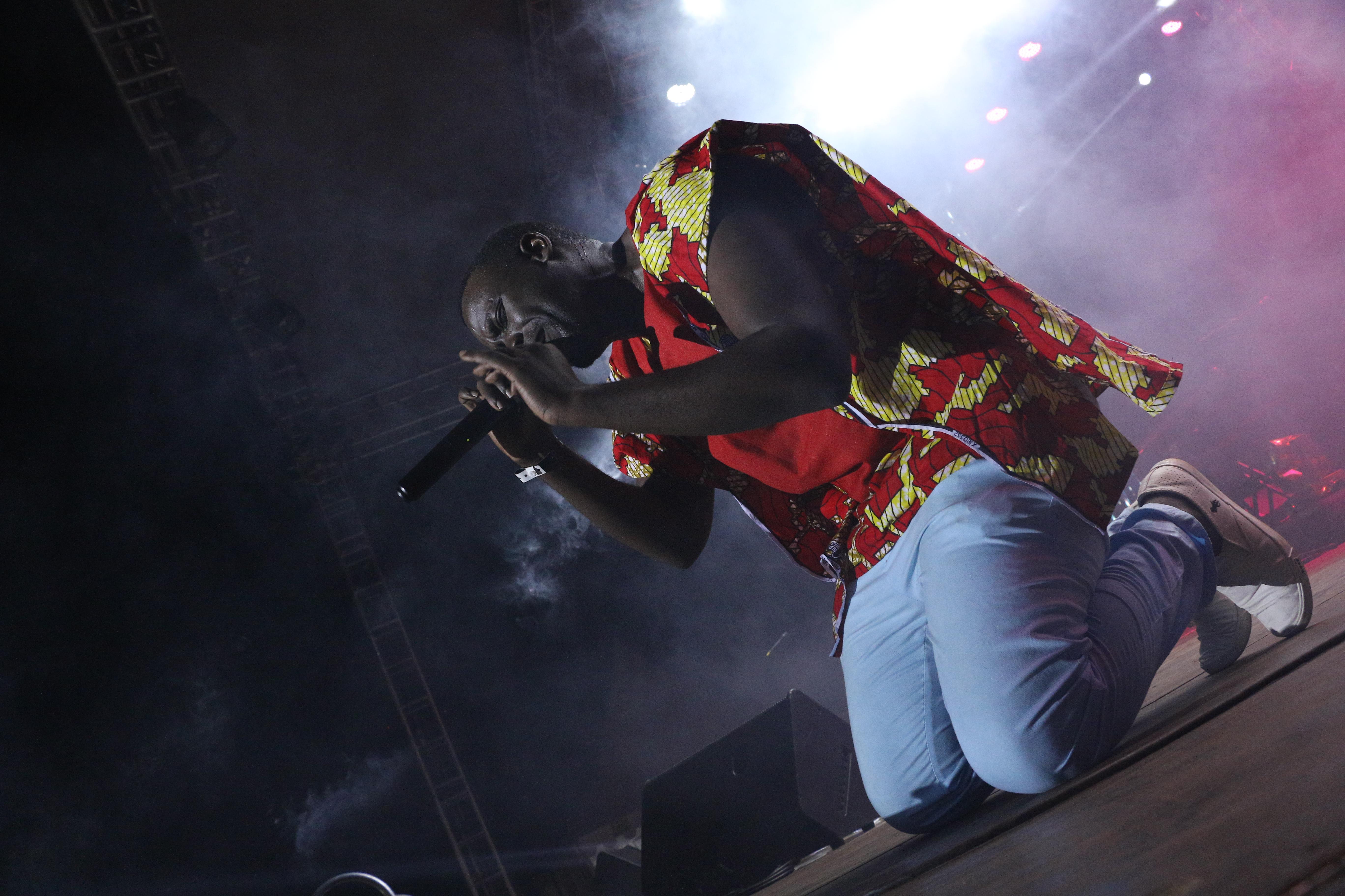 Ruyonga performing 'Sky high'