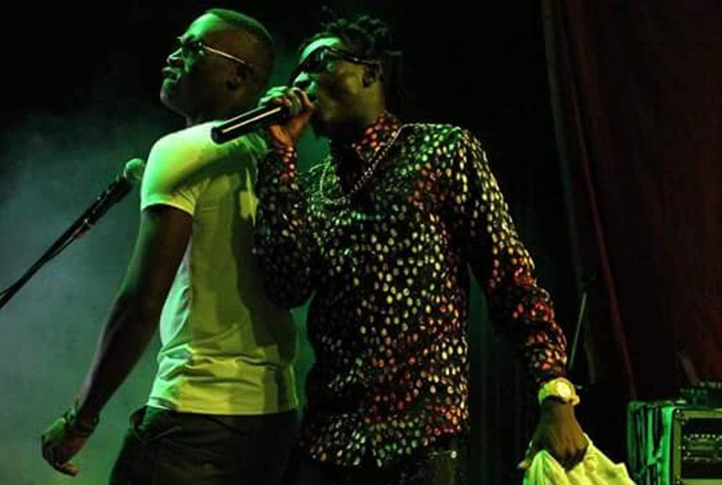 Kenshan-on-stage--with-Khalifa-Aganaga-doing-their-collabo-photo-by-REBECCA-KABUYA