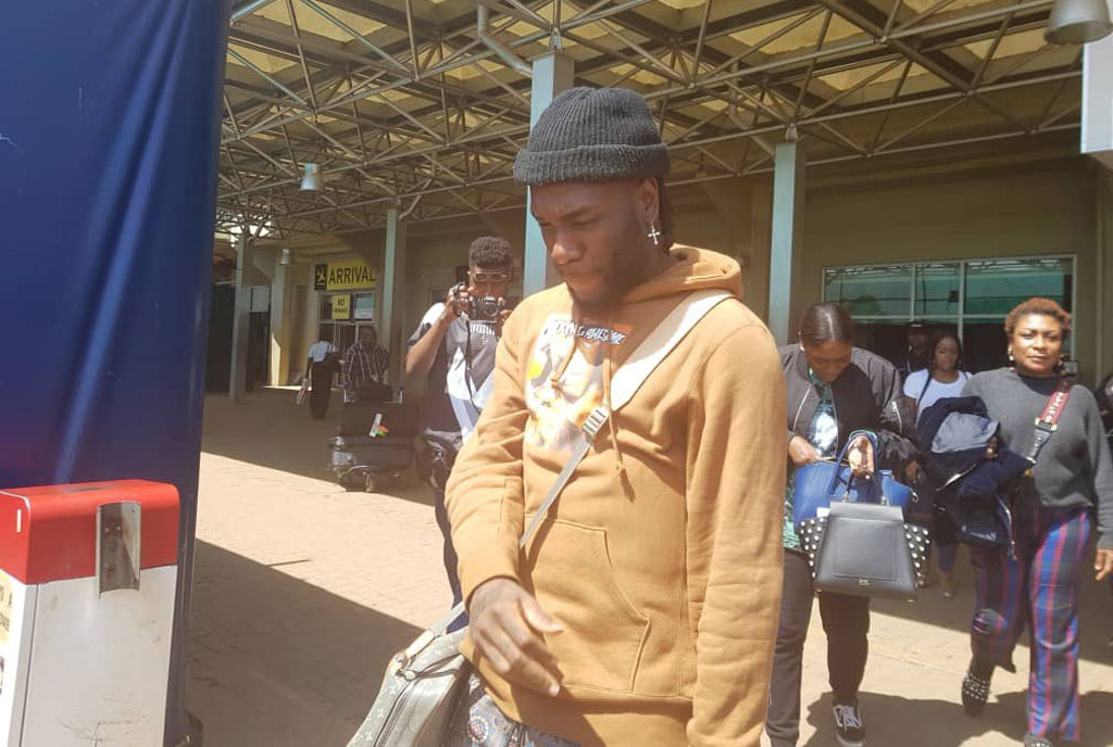 Nigerian Singer Burna Boy arrives in Uganda ahead of Concert – Sqoop